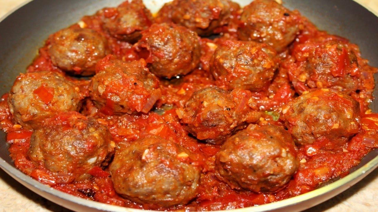 طريقة عمل كرات لحم بصلصة الطماطم