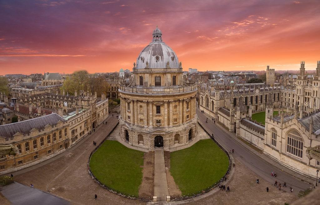 أهم الأماكن السياحية في مدينة اكسفورد البريطانية