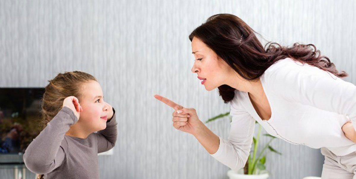 طرق التعامل مع الطفل العنيد من سن 2 إلى 5 سنوات