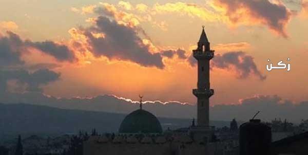 ما هو حكم من أفطر في رمضان قبل الأذان بدقائق