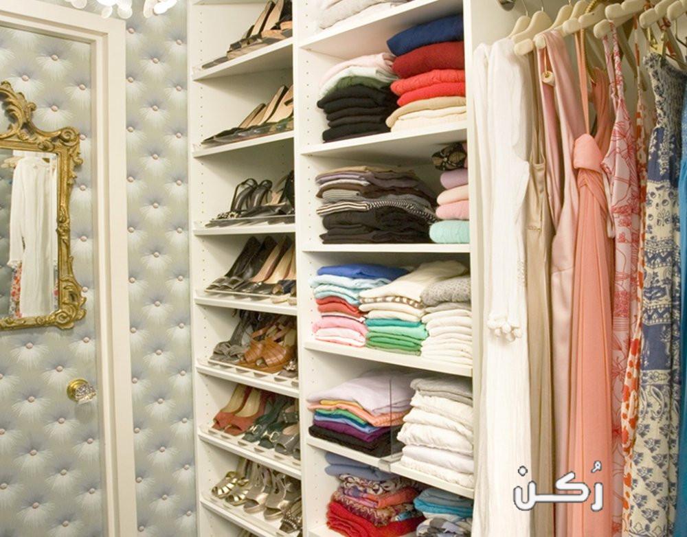 أفضل طرق ترتيب الملابس في دولاب الملابس بالصور