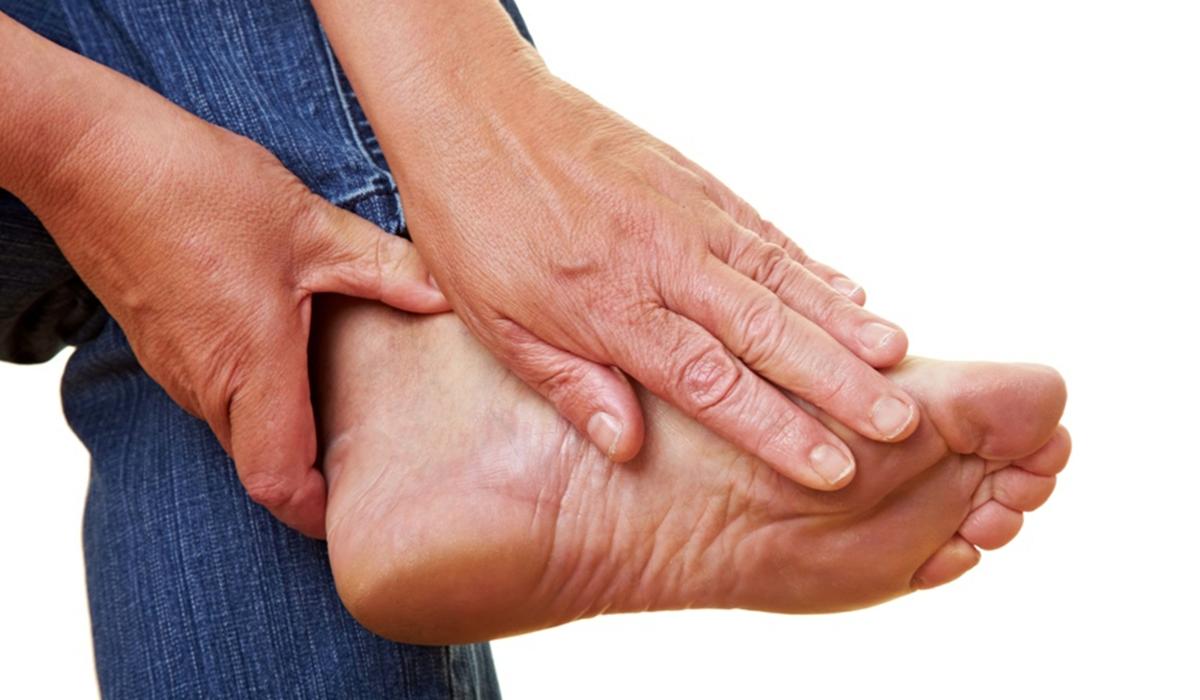 أسباب الإصابة بالنقرس وكيفية علاجه