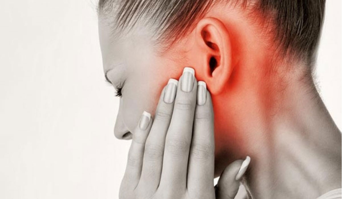 التهاب الأذن الوسطى عند الكبار والأطفال – الأسباب والعلاج