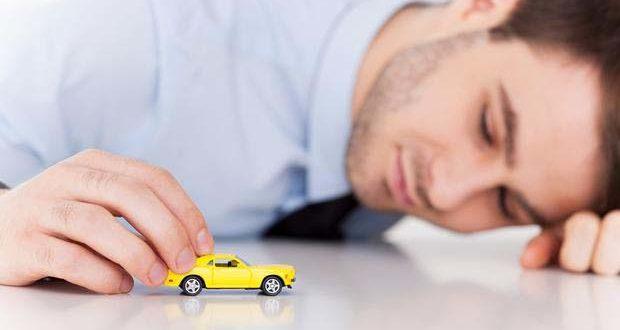 تفسير حلم السيارة البيضاء والزرقاء والصفراء في المنام