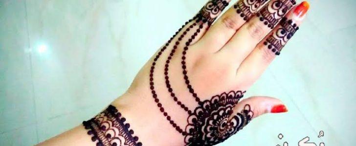 تفسير رؤية نقش الحناء على اليدين والقدمين في المنام