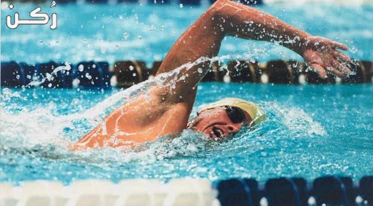 تفسير حلم رؤية السباحة في البحر في المنام