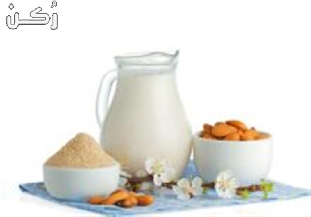 فوائد حليب اللوز للبشرة وأفضل وصفاته