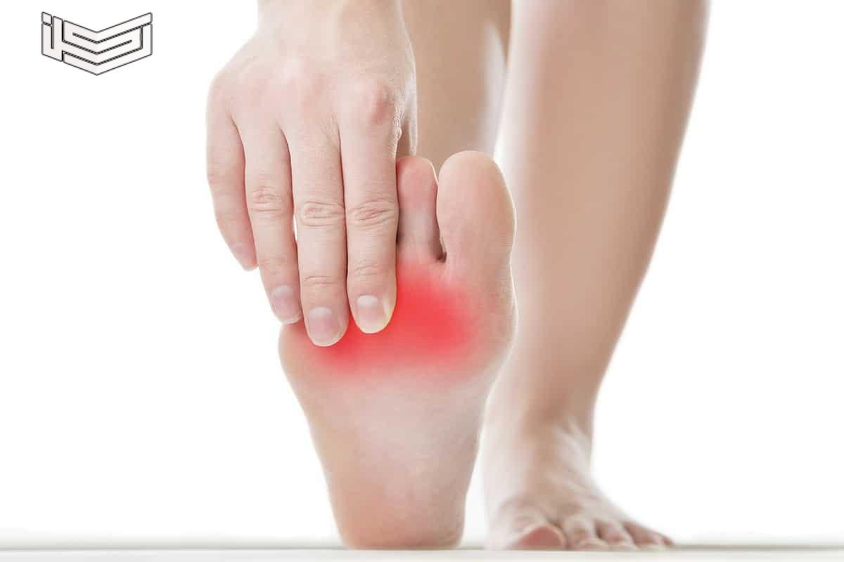 أعراض التهاب الأعصاب الطرفية وعلاجها بالأعشاب وطبياً