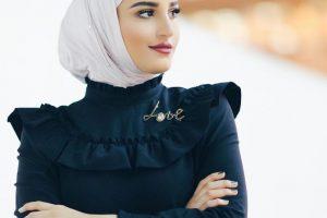 ألوان الحجاب المناسبة للبشرة السمراء موضة صيف 2020