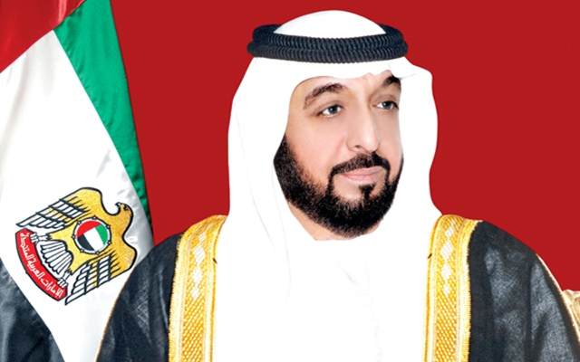 الشيخ خليفة يرقي جمال السويدي لدرجة وزير وتعيين سلطان النعيمي مديراً لـ«الإمارات للدراسات»