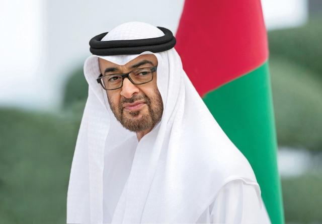 محمد بن زايد يتلقى اتصالا هاتفيا من رئيس وزراء السودان
