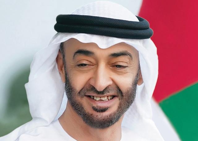 الشيخ محمد بن زايد يهنئ ملك المغرب بنجاح العملية الجراحية