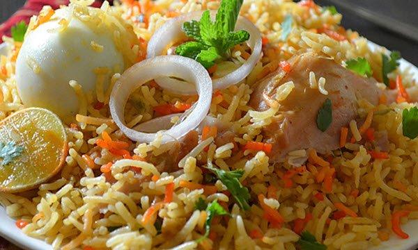 طريقة عمل الأرز البرياني بالدجاج خطوة بخطوة