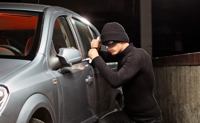 تفسير حلم سرقة السيارة في المنام للحامل والمطلقة
