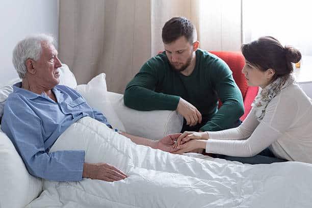 تفسير رؤية حلم مرض الأب بحسب حالة الرائي
