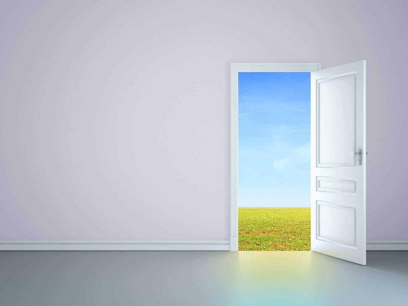 تفسير حلم رؤية الباب في المنام لابن سيرين والعزباء والمطلقة