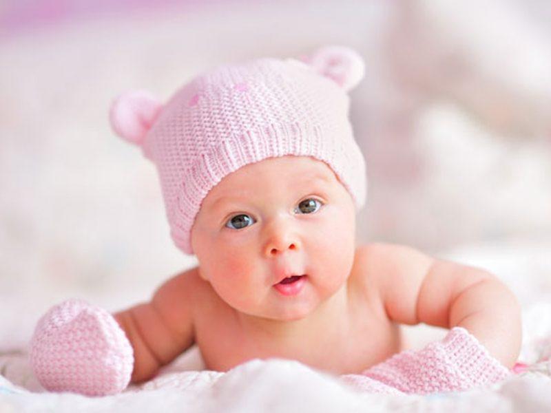تفسير حلم رؤية البنت الصغيرة أو الطفلة في المنام لابن سيرين