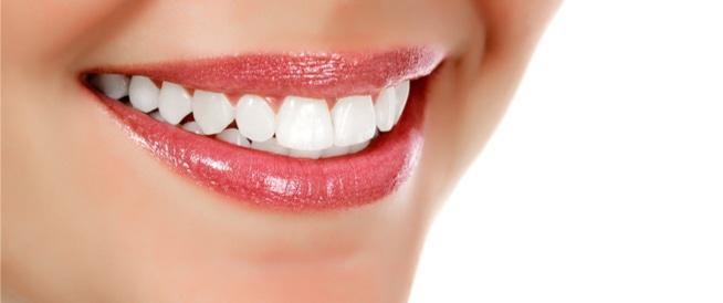 فوائد ابتسامة هوليود التي يبحث عنها الكثير
